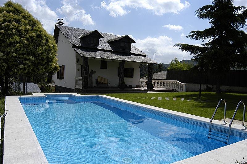 Piscinas rectangulares piscinas piscinas poolnatural for Piscinas liner precios
