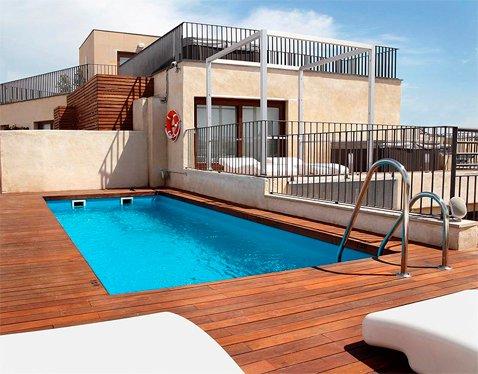 Piscinas piscinas prefabricadas en madrid valencia for Piscinas poliester barcelona