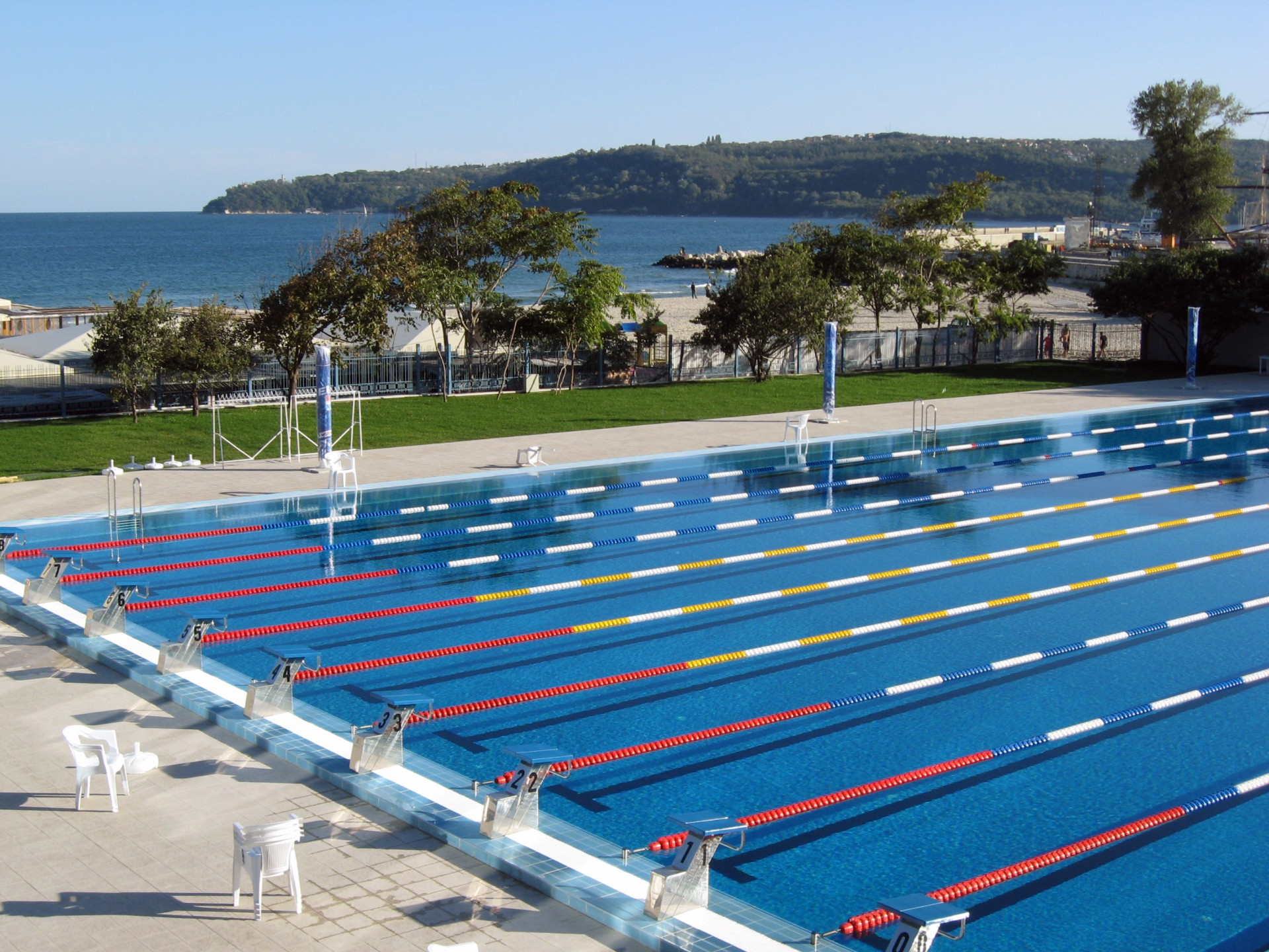 Olympian_Swimming_pool,_Varna