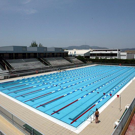 Piscinas piscinas prefabricadas en madrid valencia for Piscina publica madrid