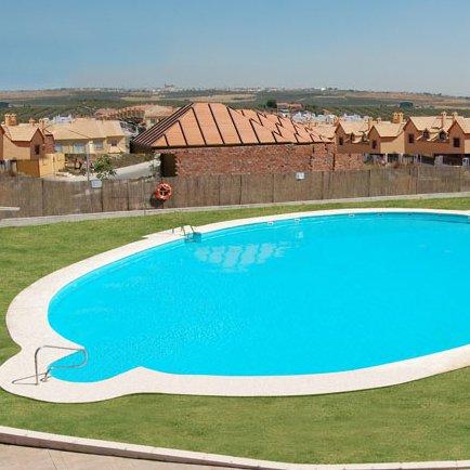 Piscinas de poliester piscinas econ micas desmontables for Ofertas de piscinas estructurales