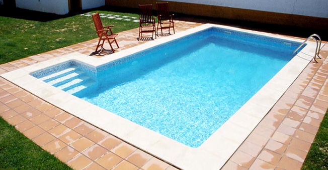 Oferta de piscina rectangular 8x4 piscina de acero for Piscina 8x4 escalera romana
