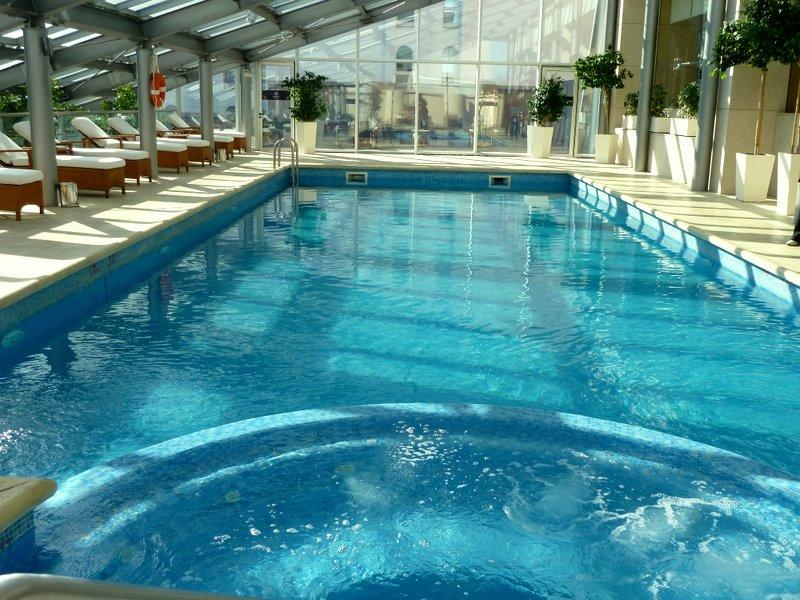 Una cubierta para tu piscina puede suponer hasta un 50 de for Piscinas precios baratos