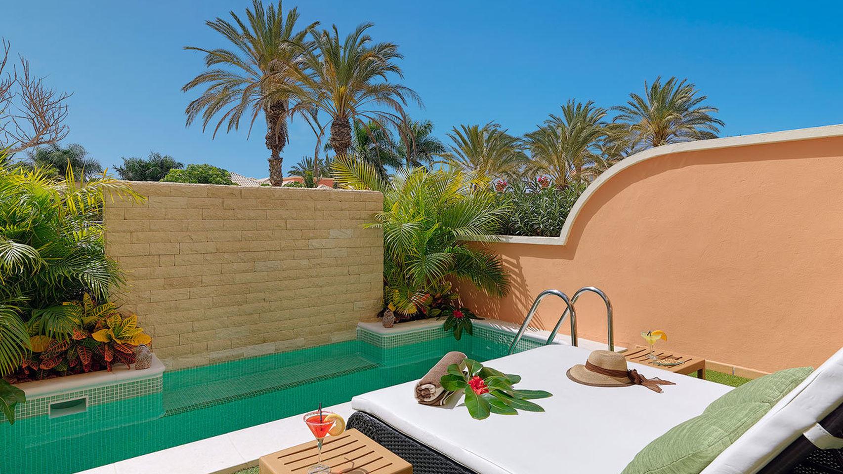 Inspiraci n piscinas privadas un espacio solo para t for Hoteles en conil con piscina