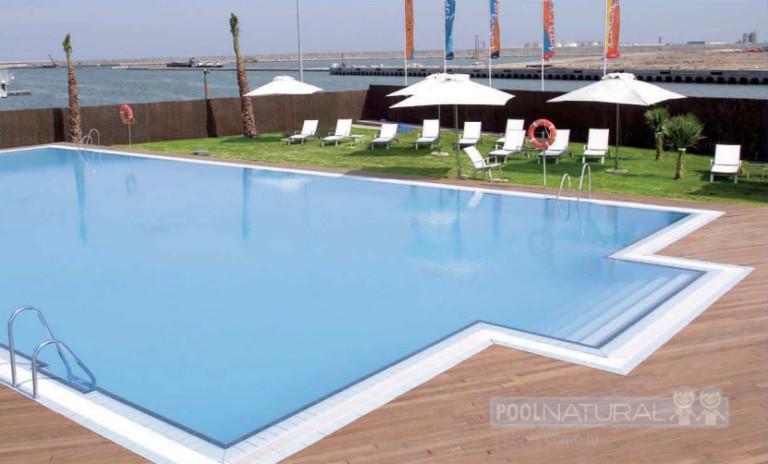 la madera como acabado para una piscina sostenible y